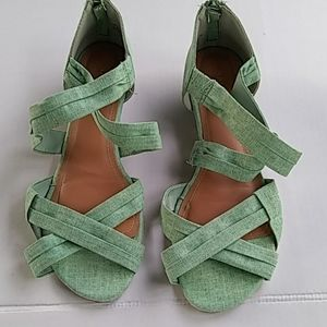"Bamboo Green Sandals Size 8.5 with 1"" Heal"